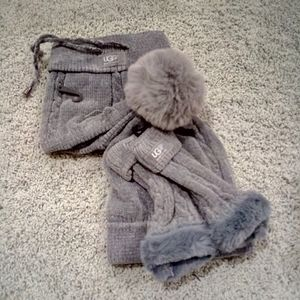 UGG gray hat scarf gloves set